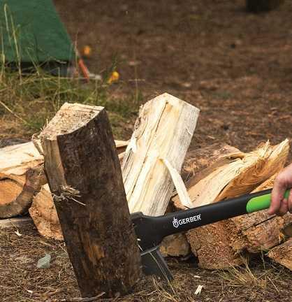 Gerber 17.5-Inch Freescape axe splitting wood