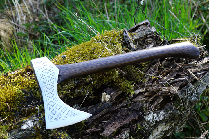 beautiful-viking-axe-handmade